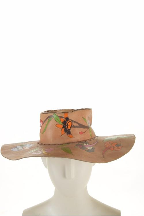 Pălărie de damă extravagantă maro deschis din piele naturală 94.00