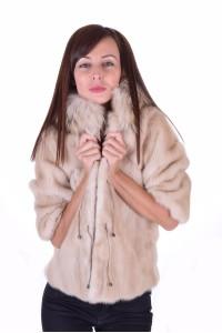 Palton maro închis din nurcă