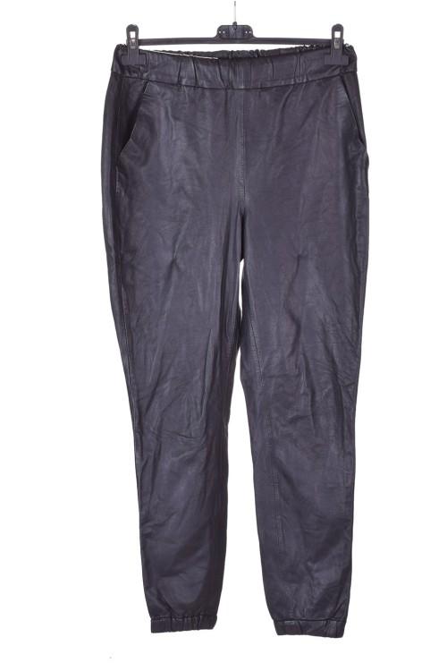 Pantalon de damă din piele naturală 78.00