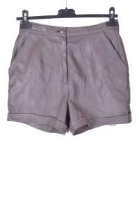 Pantaloni scurți de damă moderni din piele naturală