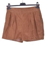 Pantaloni scurți din piele întoarsă din piele naturală