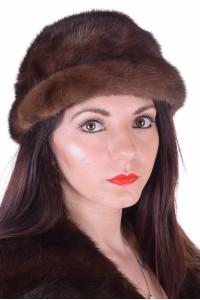 Pălărie de damă strânsă maro închis din nurcă