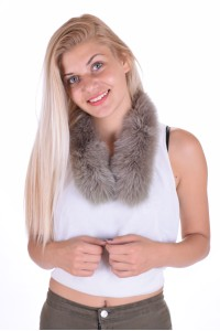 Guler de damă modernă de vulpe